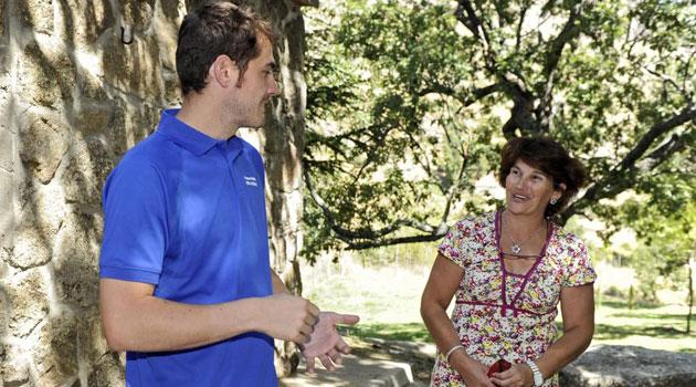 La madre de Casillas pide perdón al Oporto: Espero que mi hijo pueda triunfar tanto como en el Madrid