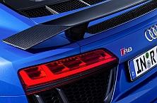 Al volante del R8 V10 Plus: el Ferrari de Audi