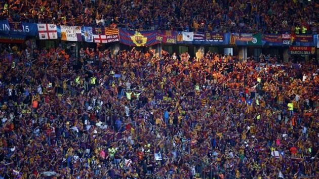 La UEFA sanciona con 30.000 euros al Barça por las esteladas de Berlín