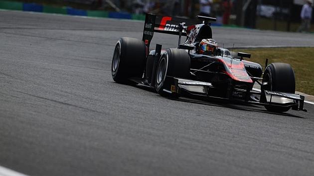Lynn vuela en su primera pole de GP2