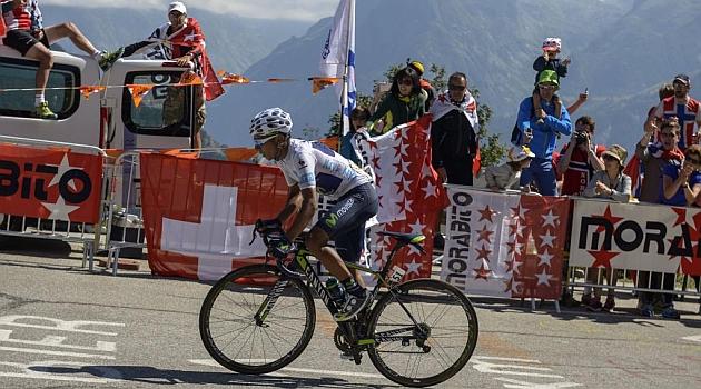 Nairo Quintana en plena subida al Alpe d'Huez. AFP