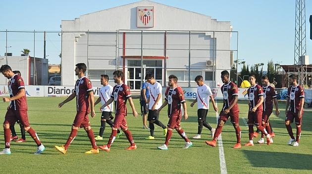 Salida de los dos equipos a la Ciudad Deportiva José Ramón Cisneros Palacios