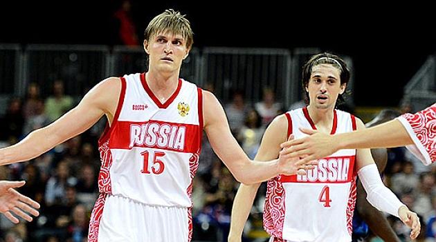 Kirilenko y Shved en un partido con la selección rusa