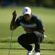 Tiger Woods respira tras hacer su mejor ronda en meses