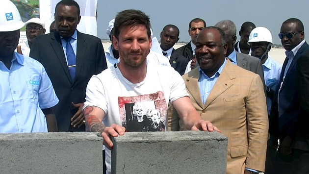 Messi en su viaje a Gabón.