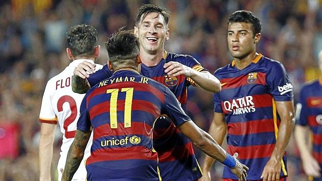 Messi y Neymar celebran un gol a la Roma.