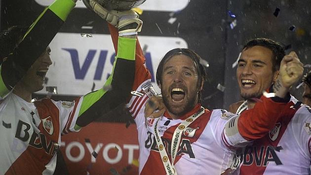 Cavenaghi anuncia que deja River Plate