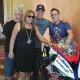Los hermanos Espargar� regalan la moto de Dani Rivas a su familia