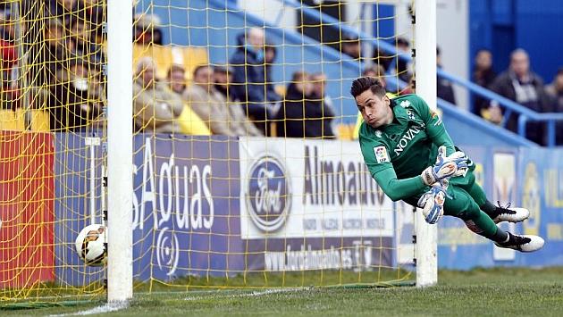Jiménez en un partido con el Alcorcón, donde estuvo cedido la temporada pasada