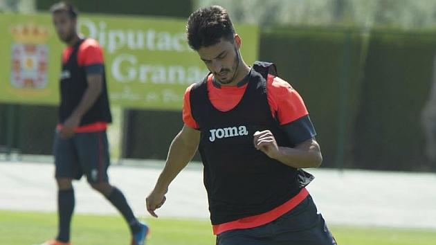 Luis Martins en un entrenamiento con el Granada
