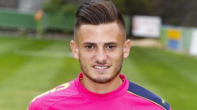 José Artiles posa como jugador de la UD Las Palmas.