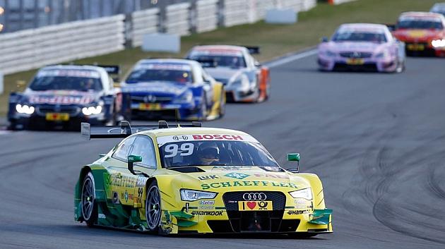 Rockenfeller (Audi) lidera durante la carrera 2 en Moscú / DTM