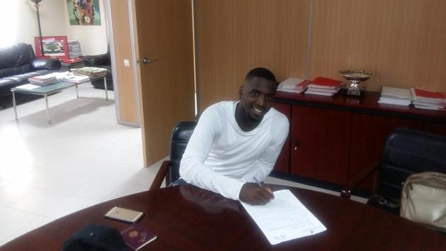 Sissoko, en el momento de la firma de su contrato