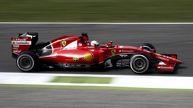 Solo Vettel se opone a la tiranía de Mercedes