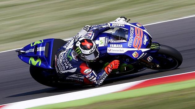 Lorenzo, seis décimas más rápido que Rossi y con las Honda en medio