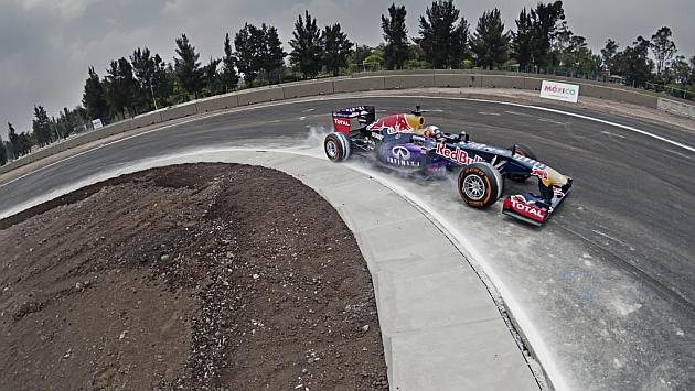 La emblemática curva 17 se llamará Nigel Mansell