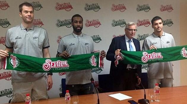 Slokar, Henton y Sánchez, en su presentación con Sevilla