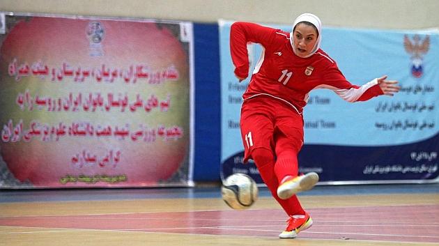 'Lady Goal', un talento en cautiverio