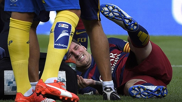 Messi out for seven to eight weeks