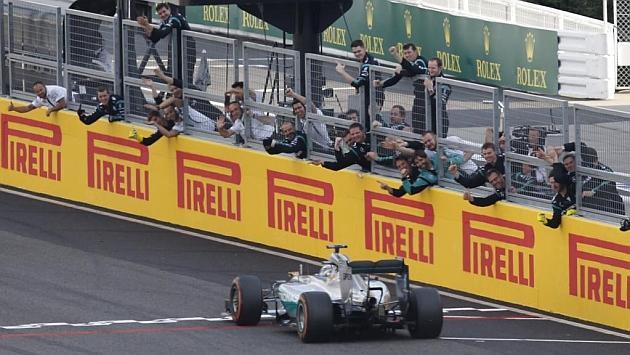 Hamilton se resarce en Suzuka y Alonso estalla