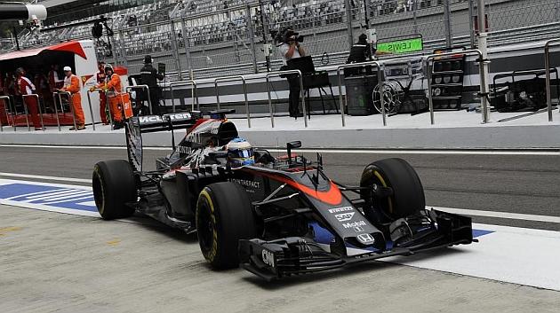 Fernando Alonso, penalizado con 35 posiciones en la salida de Rusia