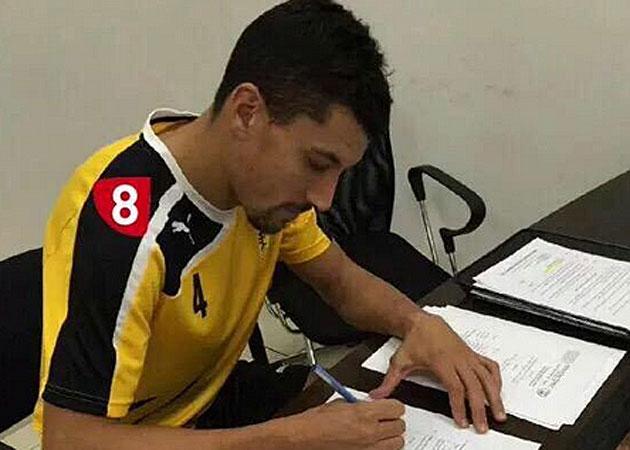 Jesús Rueda firma su contrato con el Beitar Jerusalem
