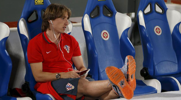 Modric out for 2-3 weeks