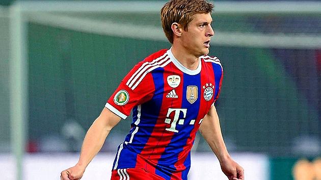 Toni Kroos, vistiendo la camiseta del Bayern