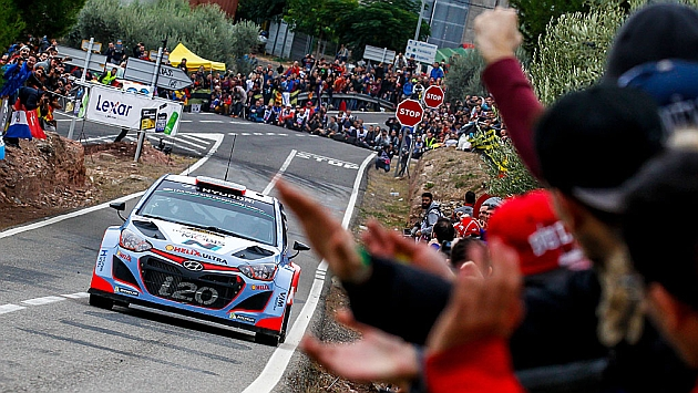 Dani Sordo, a cuatro segundos del podio