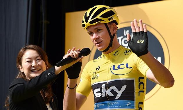 Chris Froome saluda al público en el Critérium de Saitama, Japón, este fin de semana. / Afp