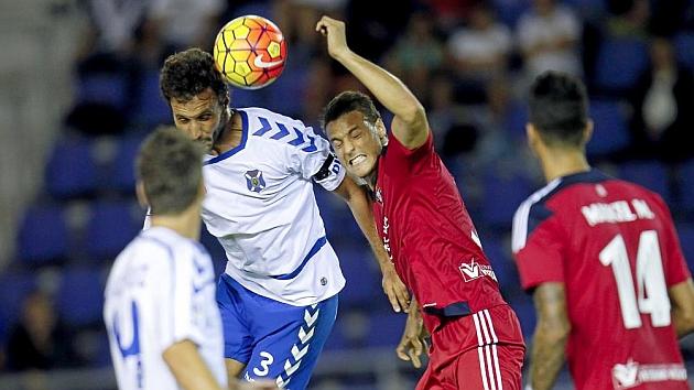 El Tenerife, con nueve, logró rescatar un punto ante Osasuna