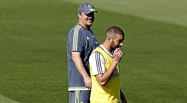 Benzema y Benítez, en un entrenamiento.