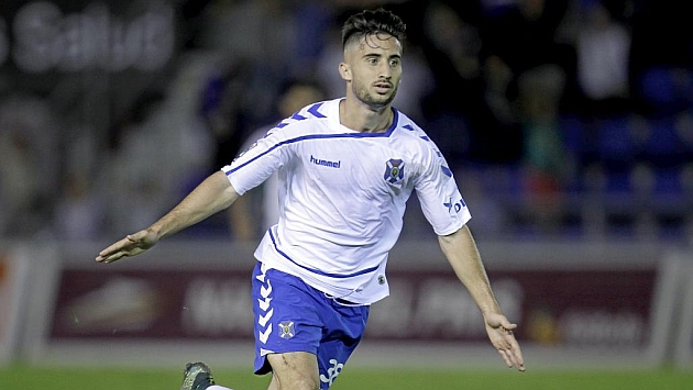 Omar celebra el segundo gol. Foto: Santiago Ferrero (MARCA).