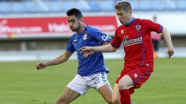 El Numancia rentabiliza un error del Oviedo en los minutos finales