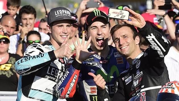 Lorenzo le pone un 8,5 a la temporada, Rossi un bien y Márquez un 6