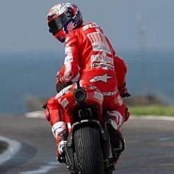 Ducati reconoce estar negociando con Stoner