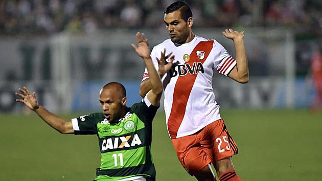 Gabriel Mercado se incorpora a Argentina