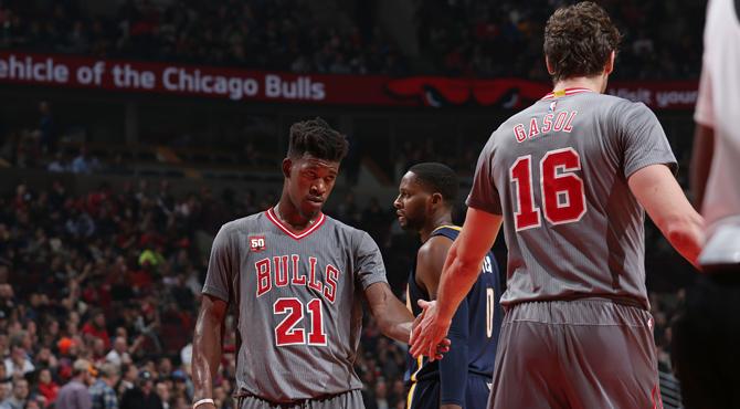 Un tapón ganador de Butler rescata a los Bulls de Gasol y Mirotic