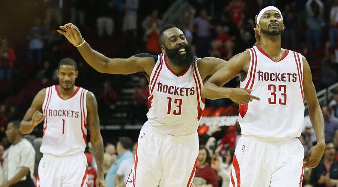 'La Barba' da señales de vida sin una leyenda de la NBA en el banquillo