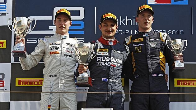 El podio de la segunda carrera en Sakhir (Vandoorne, Evans y Lynn)