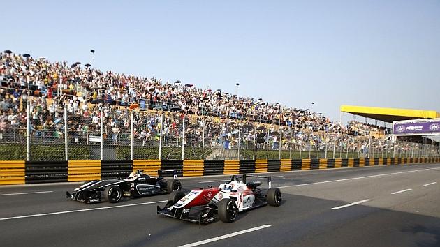 Leclerc y Rosenqvist, en el Gran Premio de Macao de Fórmula 3