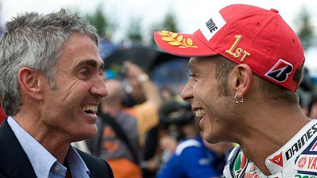 Doohan charla con Rossi en Brno (Mirco Lazzari)