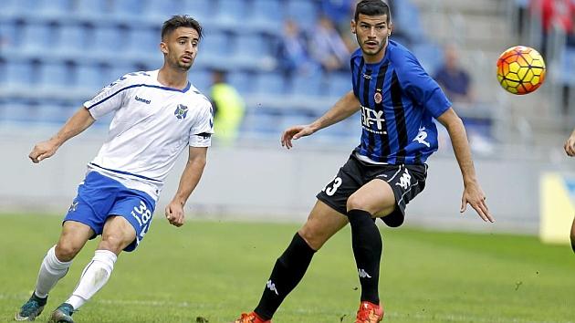 Omar, que marcó el gol del empate del Tenerife, y Javi Álamo, que fue expulsado en las filas del Girona, fueron protagonistas