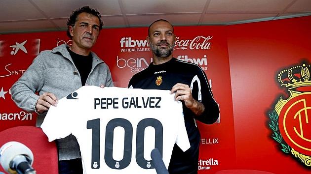 Pepe Gálvez, junto a Miguel Ángel Nadal, durante su presentación como entrenador del Mallorca