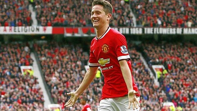 Ander Herrera celebra un gol con el Manchester United