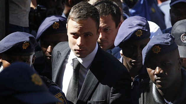 Pistorius heads back to prison