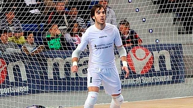 Barrón calienta antes de un partido en una imagen de archivo. FOTO: LNFS