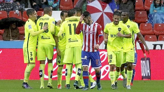 El Sporting volvió a recibir un gol en el tiempo de descuento