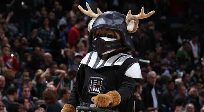 Calderón y los Knicks sufren los rigores del lado oscuro de la fuerza ante los Bucks