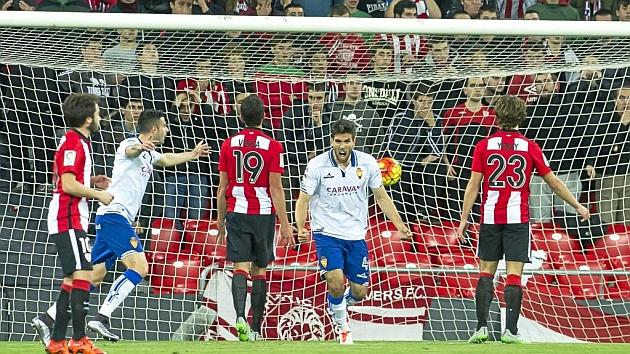 Ángel celebra el único tanto del Zaragoza ante el Bilbao Athletic